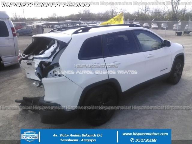 2016 JEEP CHEROKEE LATITUDE 2.4 4X4  - Foto del auto importado