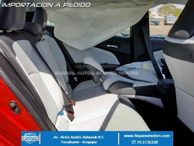 2016 TOYOTA PRIUS TOURING  - Foto del auto importado