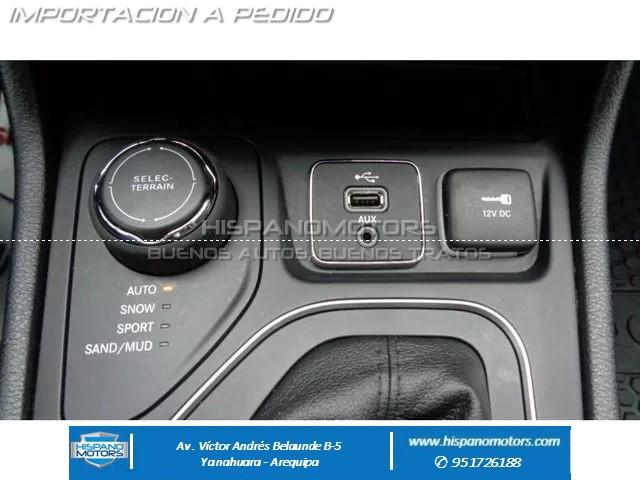 2019 JEEP CHEROKEE LATITUDE 4X4  - Foto del auto importado