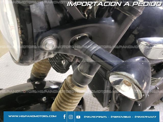 2020  TRIUMPH MOTORCYCLE BONNEVILLE T100 *BLACK*  - Foto del auto importado